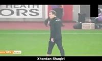 کلیپ حرکات تکنیکی ستارگان فوتبال با آدامس